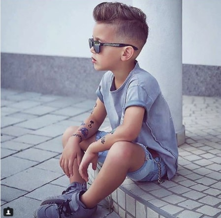 Comb Over Hairstyle With Mid Fade