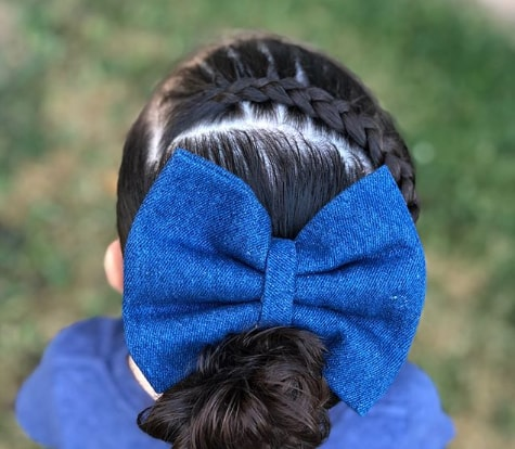 Braided Top With Extravagant Bow Clip