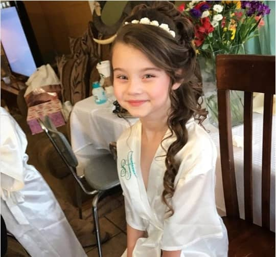 29 Flower Girl Hairstyles For Little Princess Mr Kids