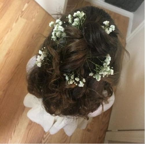 Wavy Hairstyle With Flowers