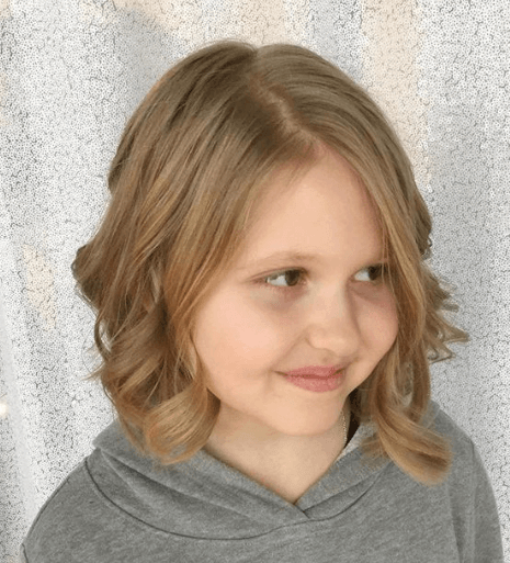 Chin Length Bob Hairstyle With Curled Tips