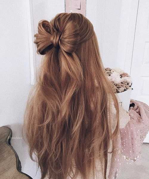 Statement Bow With Long Messy Back