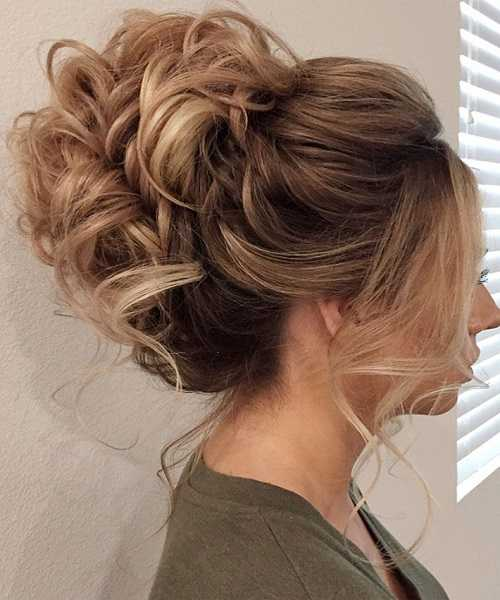15 Unique Prom Hairstyles For Girls That Will Make Your Night