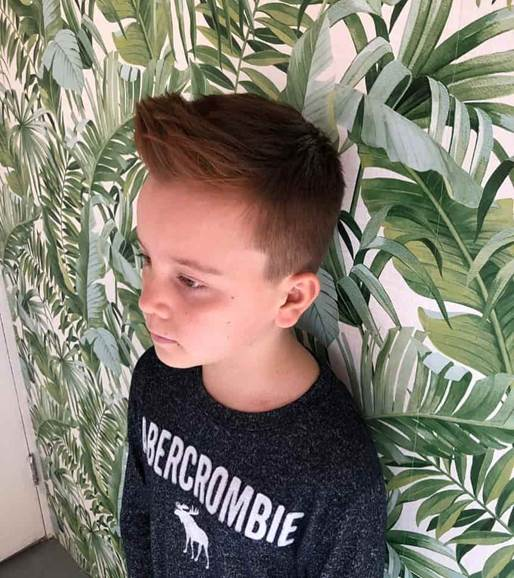 Voluminous Frontal Quiff With Side Fade