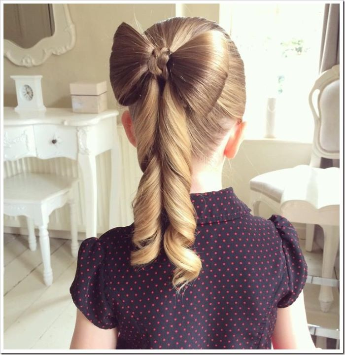 Hair Bow Style With Twisted Tails